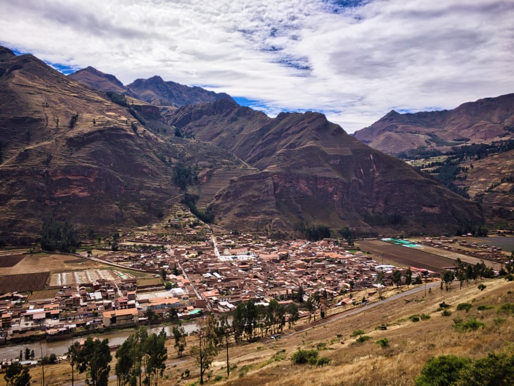 Blick in das Sacred Valley auf der Fahrt hinauf nach Cusco